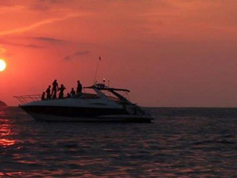 Ibiza boat rental Boat SunSeeker Camargue 47.1