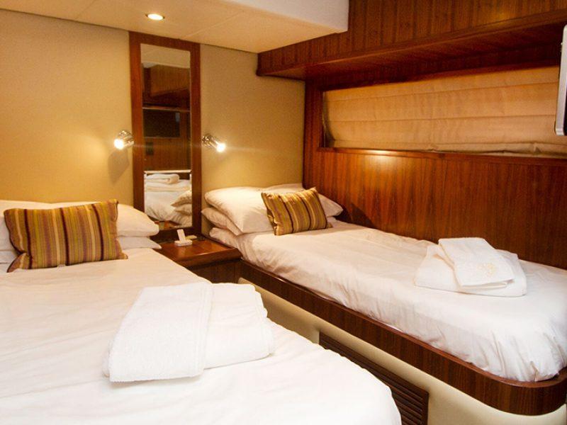 Ibiza yacht rental Yacht Mida 24