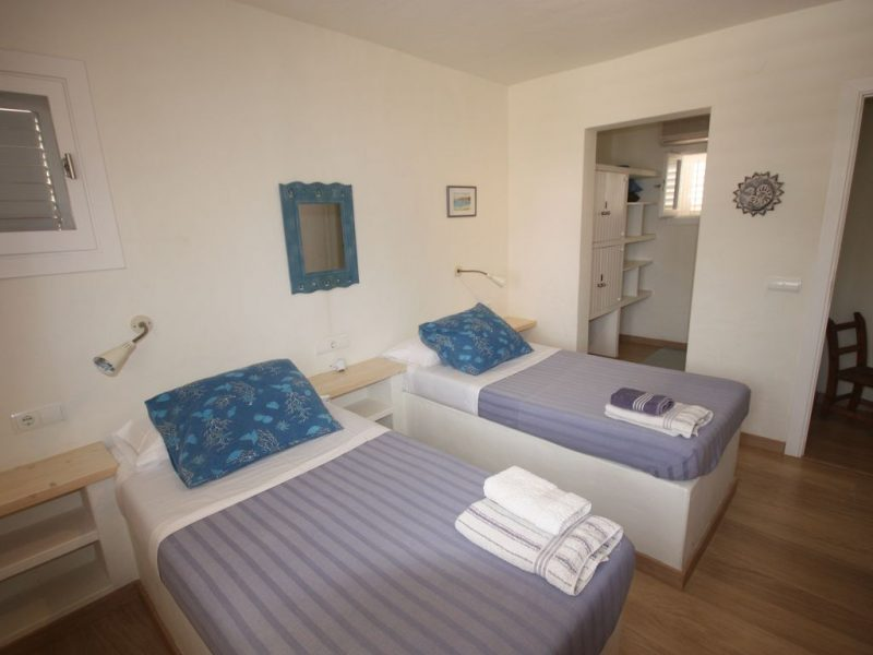 Ibiza-villa-rental-Villa-Trinivel 6